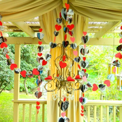 How-To: Recycled Valentine's Day Garland
