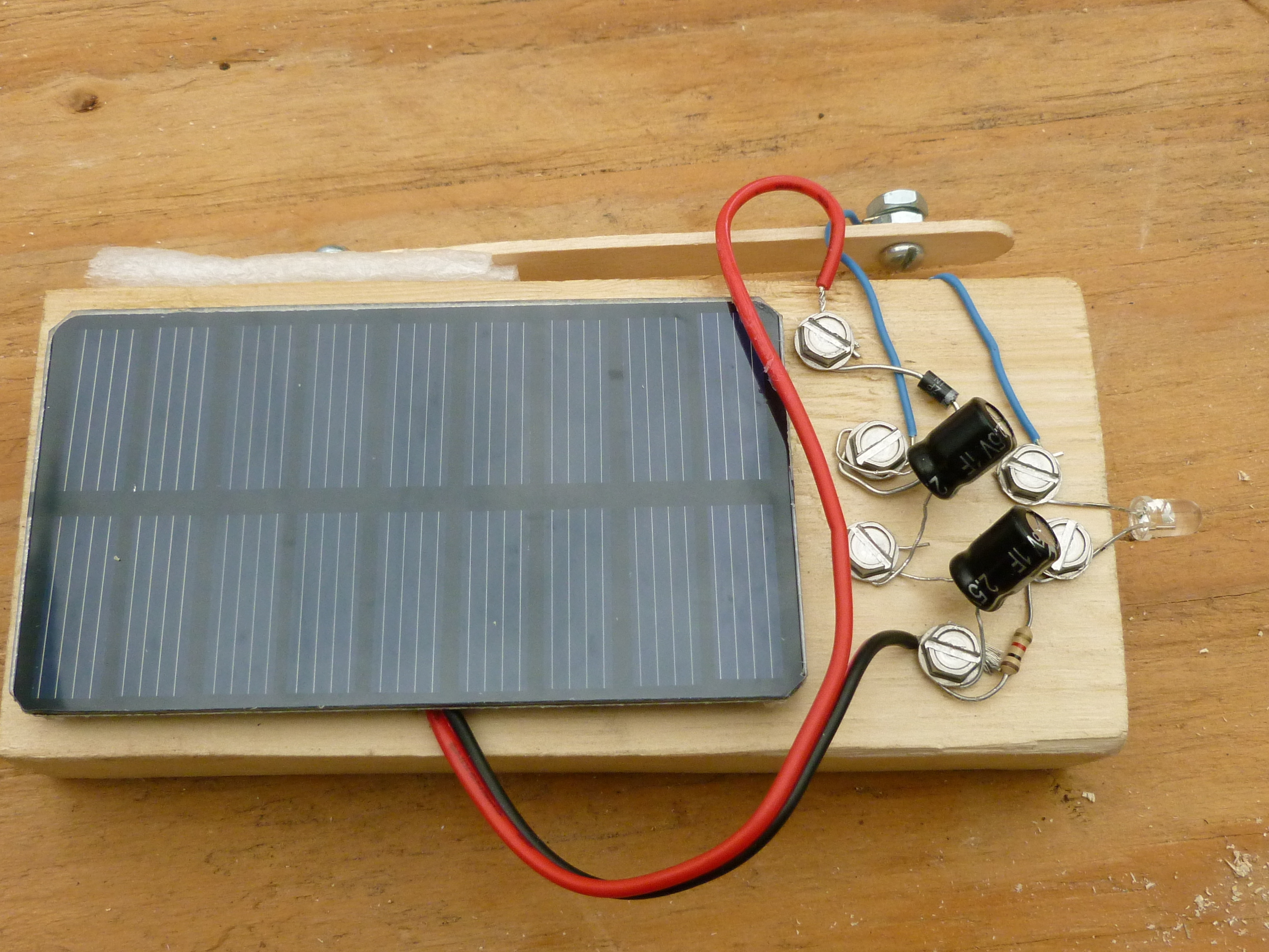 Solar Battery Charger Wiring Diagram Free Picture Solar Powered Flashlight With No Battery Make