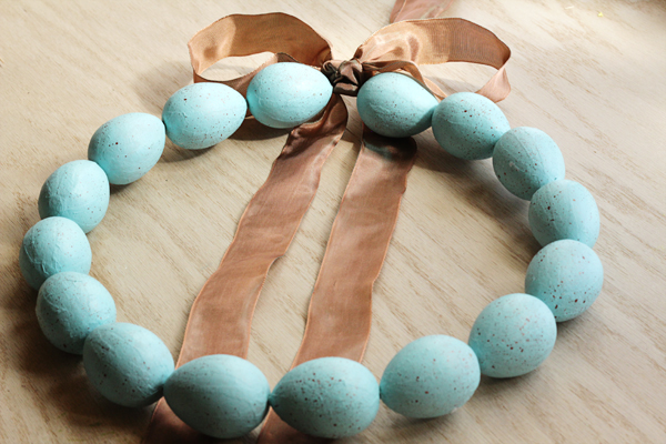 How-To: Speckled Egg Wreath