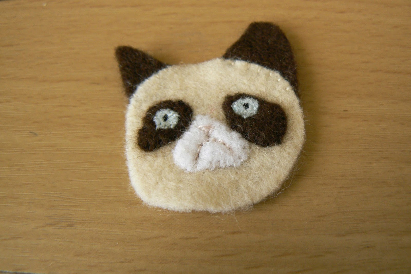 How-To: Grumpy Cat Brooch