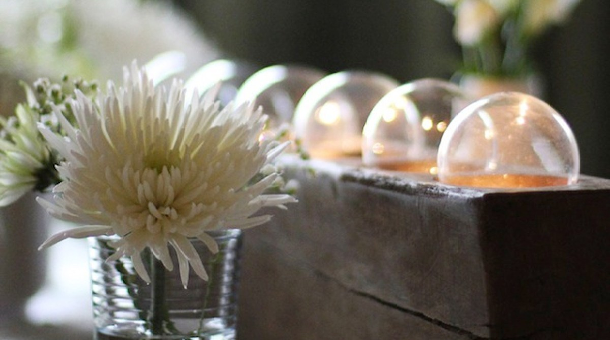 How-To: Recycled Lightbulb Centerpiece