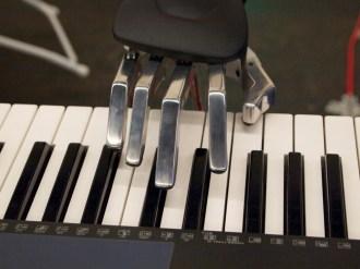 Piano bot