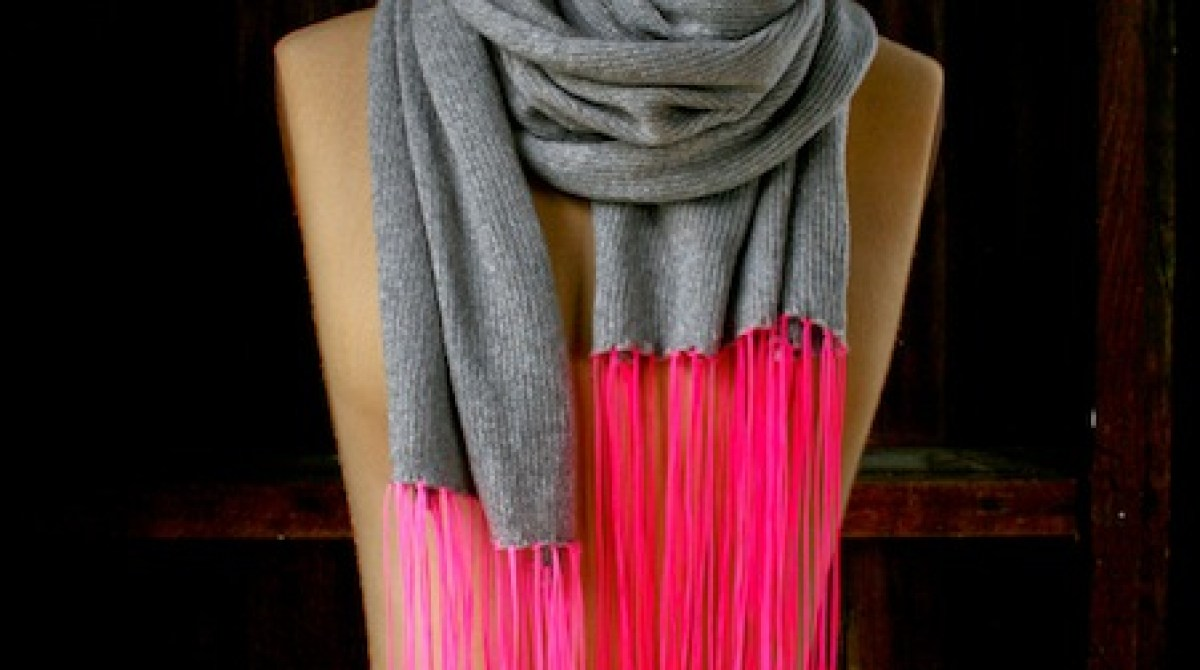 How-To: Spring Scarf with Neon Fringe