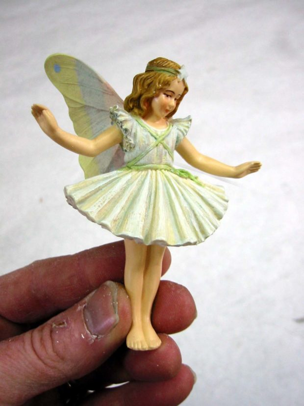 Fig. B: The object we're going to cast, an angel figurine.
