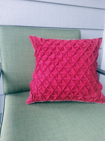 How-To: Pintuck Pillows