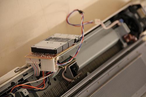 Knitic, an Open Hardware Knitting Machine