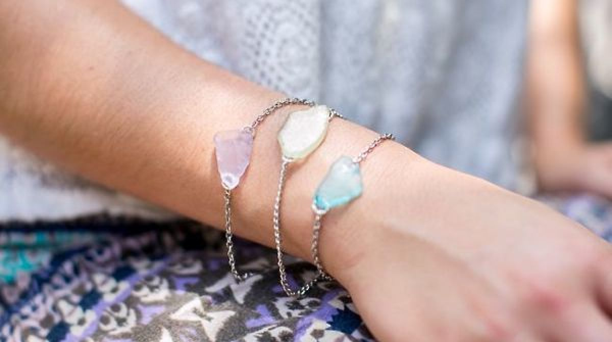article featured image - How To Make Sea Glass
