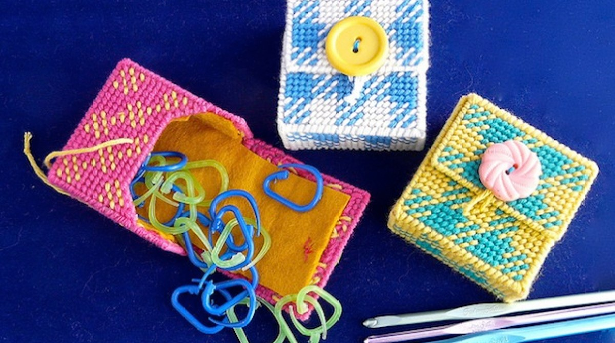 How-To: Plastic Canvas Stitch Marker Case