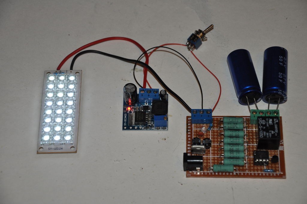 Super-Capacitor Flashlight