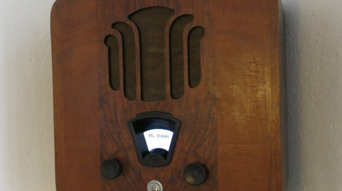 Antique Raspberry Pi Internet Radio   Make: