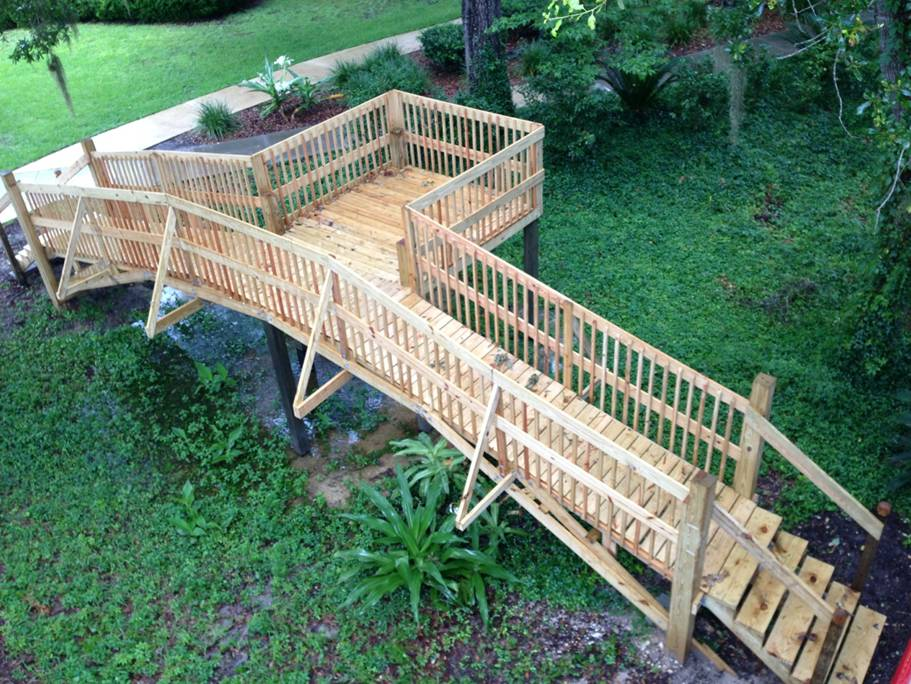 Ancient Chinese Bridge Recreated by Students
