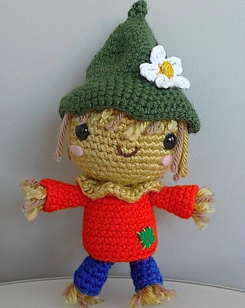 Flashback: Crochet a Scarecrow Amigurumi