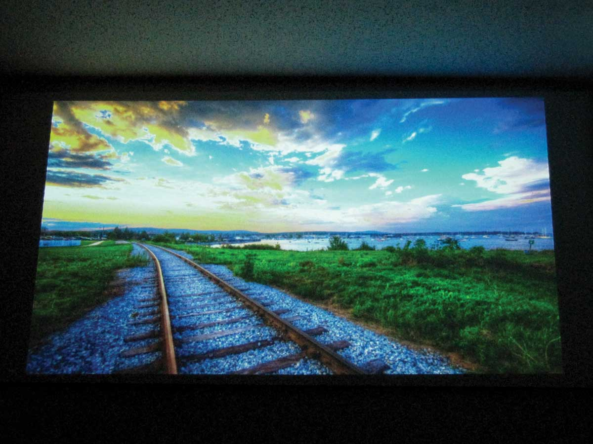 Glass Bead Projection Screen