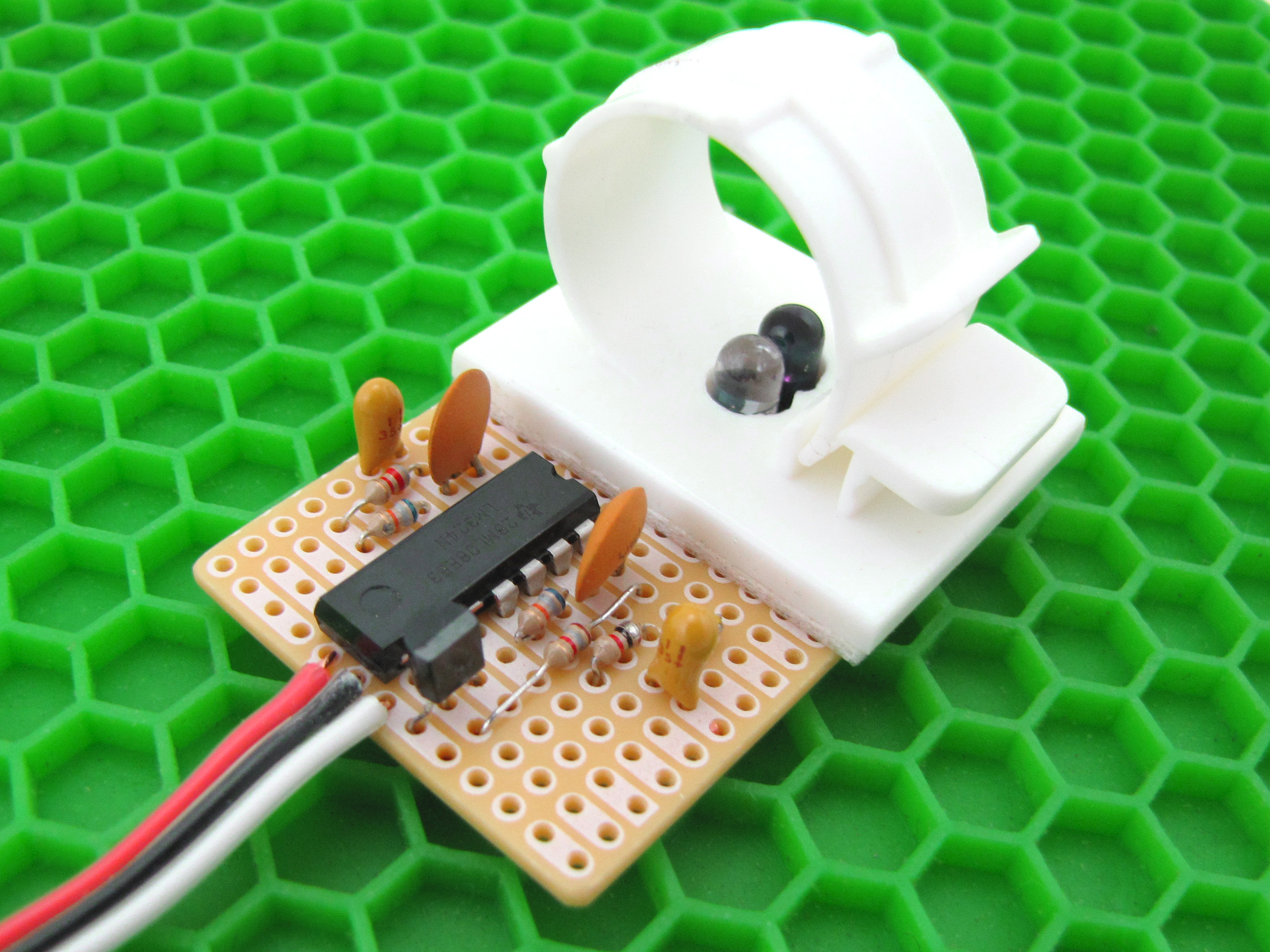 Easily Take A Pulse With Infrared Sensor Make Transistor Intercom Circuit Electronic Circuits And Diagram