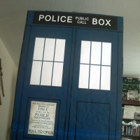 Photos of the completed TARDIS design in the living room