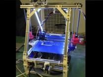 Glowing CastMax printing robohands