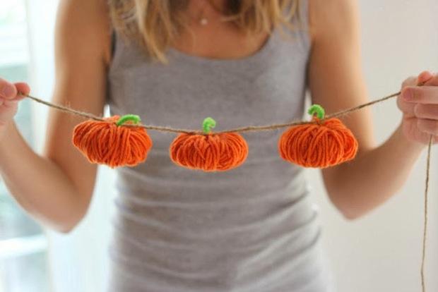 How-To: Yarn Pumpkin Garland