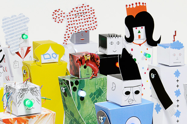 """""""Play Communs"""" Combine Papercraft and Electronics Into Simple Robots"""