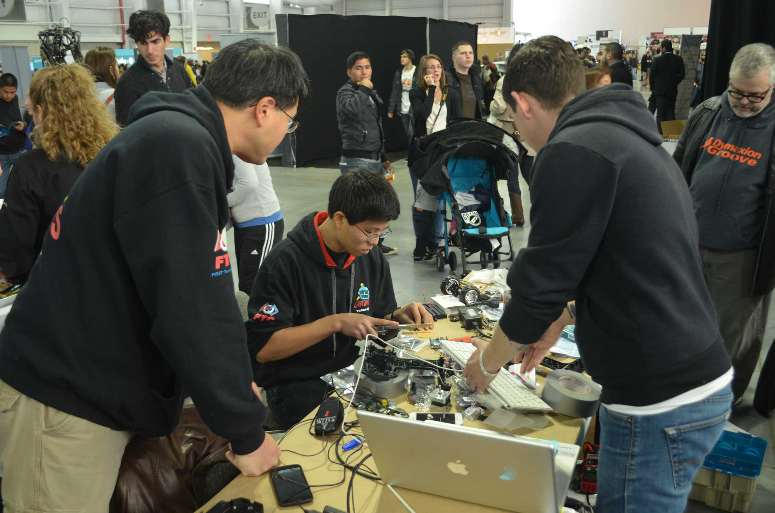 Projects Start Taking Shape at Raspberry Pi Make: Off