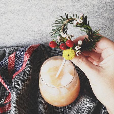 How-To: Mini Holiday Wreath Cocktail Stir Sticks