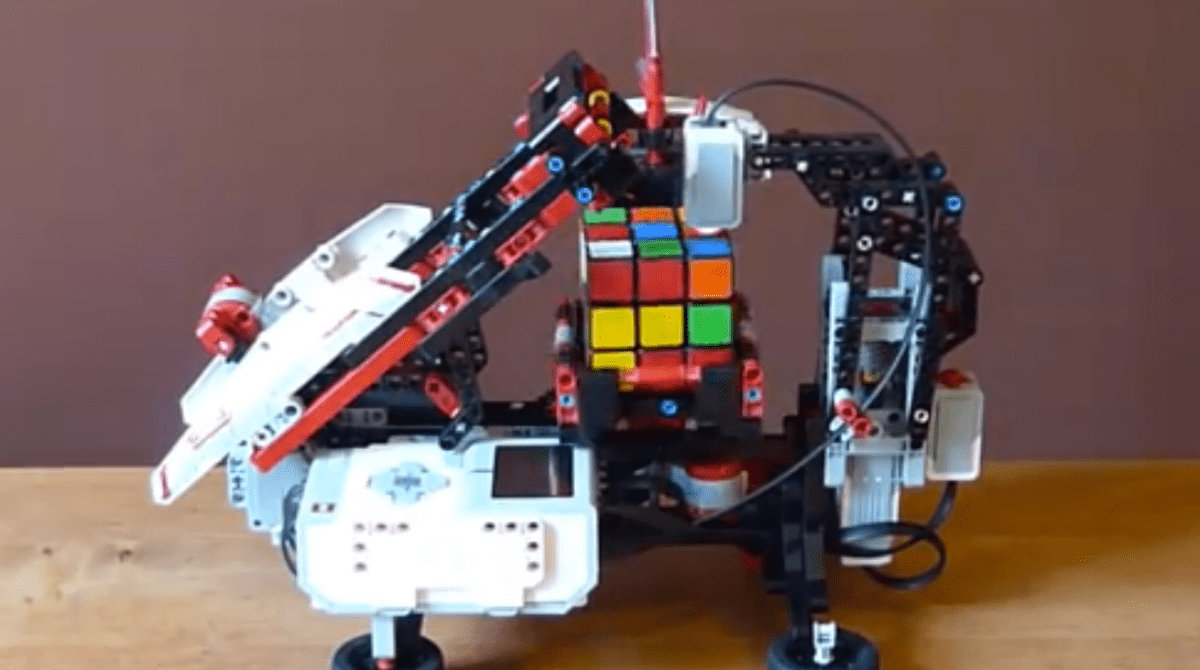 Make Your Own Mindstorms Cube Solver | Make: