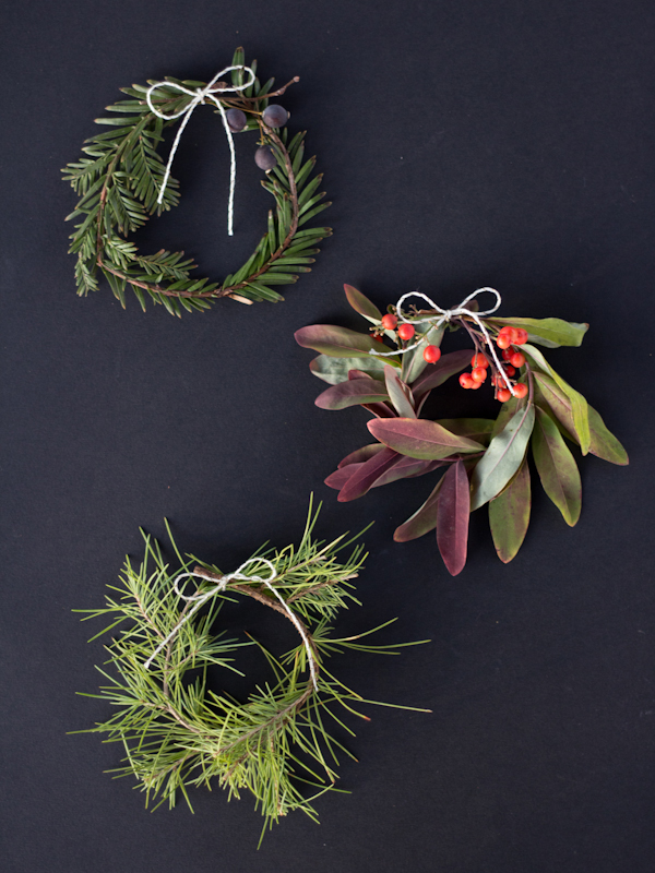 How-To: Mini Holiday Wreaths