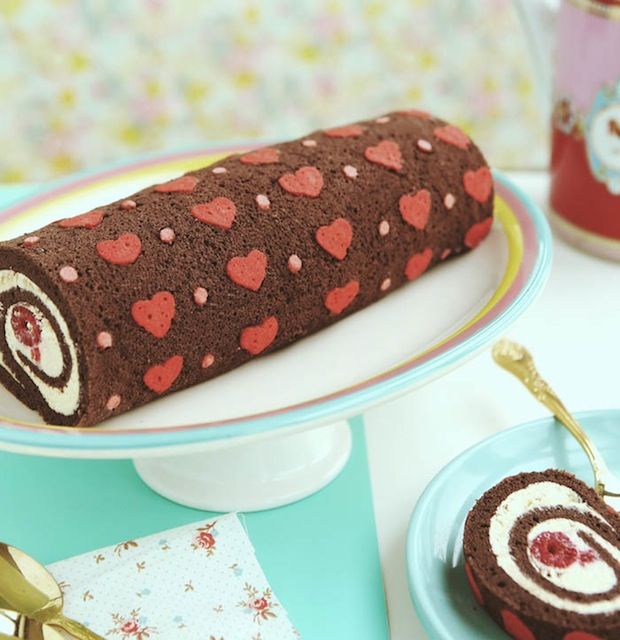 Recipe: Heart-Patterned Cake Roll