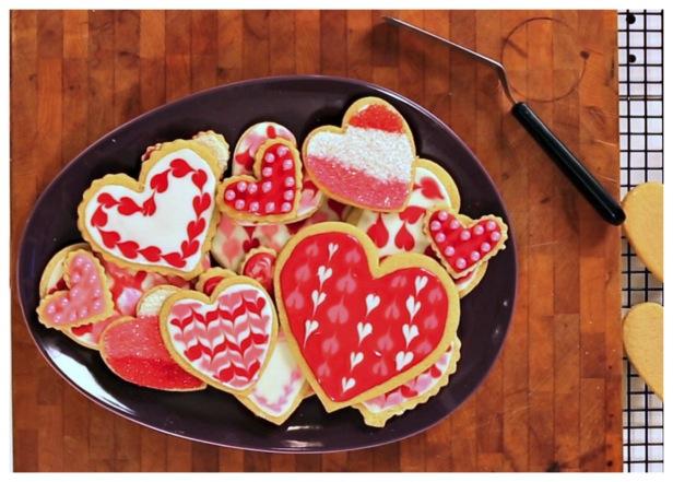 Kitchen Tips: Decorating Valentine's Day Cookies
