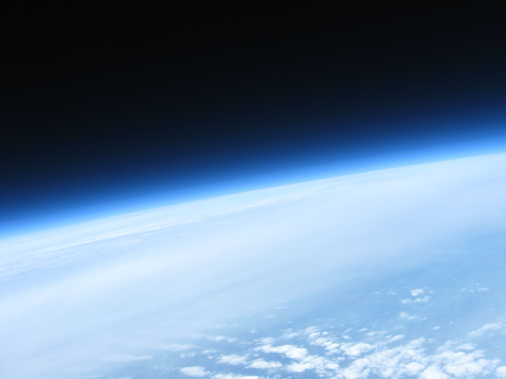 Near-Space Balloon Cam with Arduino and APRS Radio