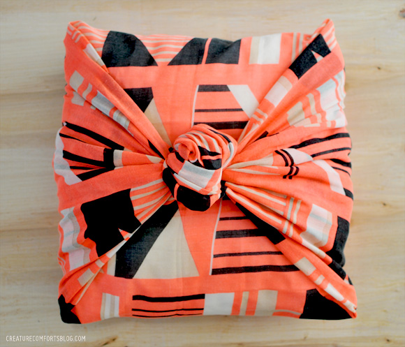 How-To: 5 Minute No-Sew Pillow Covers