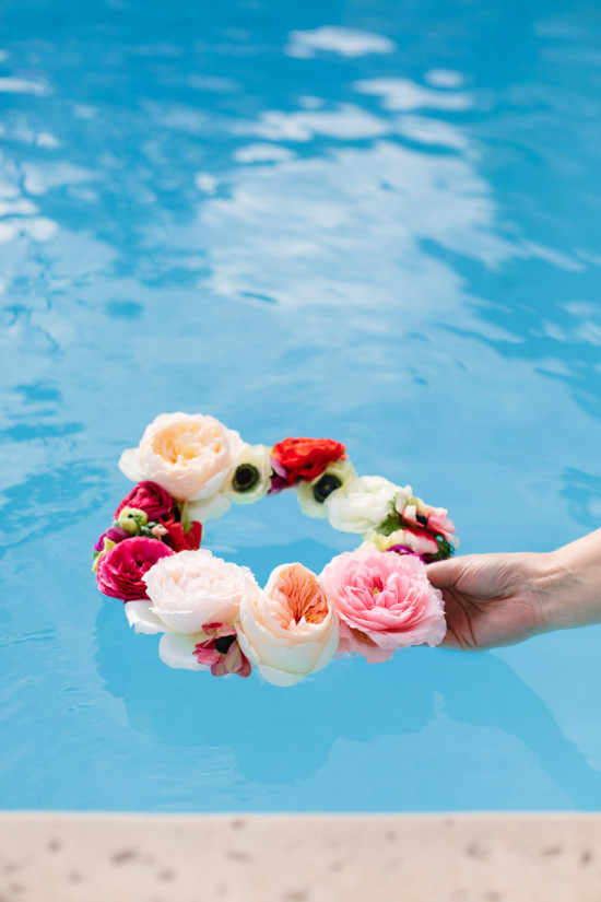How-To: Geometric Floating Flower Wreath