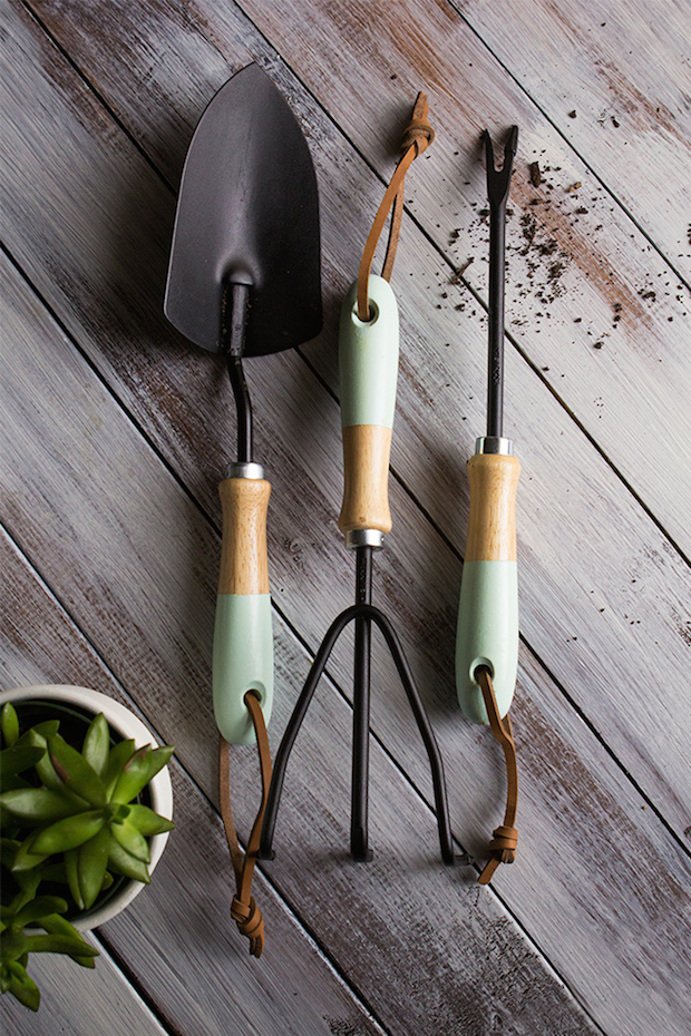 How-To: Paint-Dipped Garden Tools