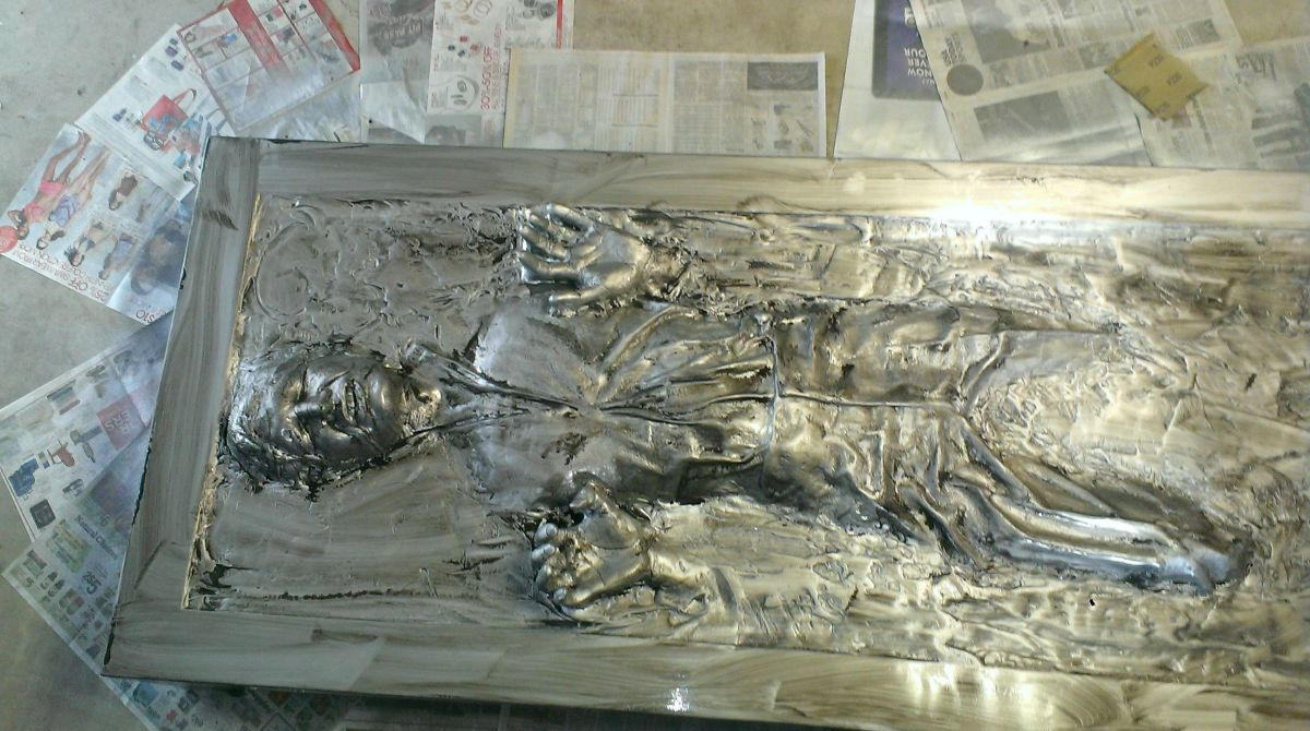 Assembling a Full Sized Han Solo in Carbonite