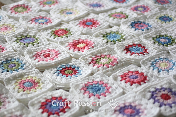 Crochet Tip: Scrap Yarn Granny Square Color Combination Guide