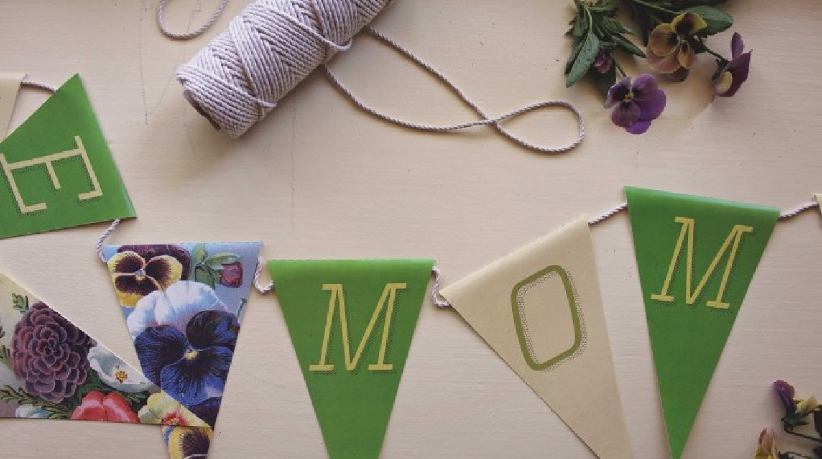 How-To: Printable Mother's Day Banner