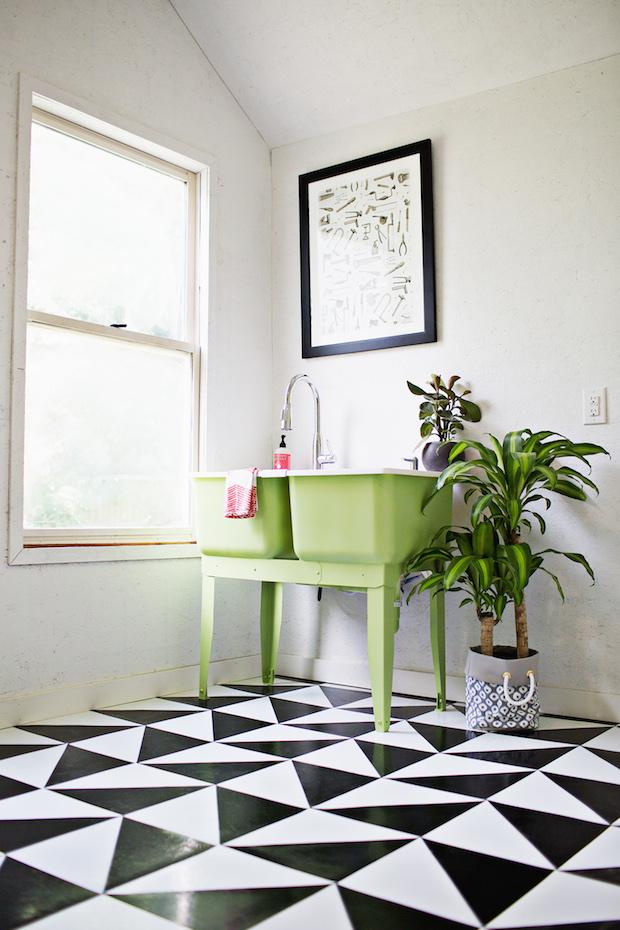 How-To: Make a Patterned Floor with Linoleum Tile