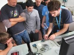 Arduino workshop in Bilbao Makers makerspace - teacher Jon Sagarrabanana