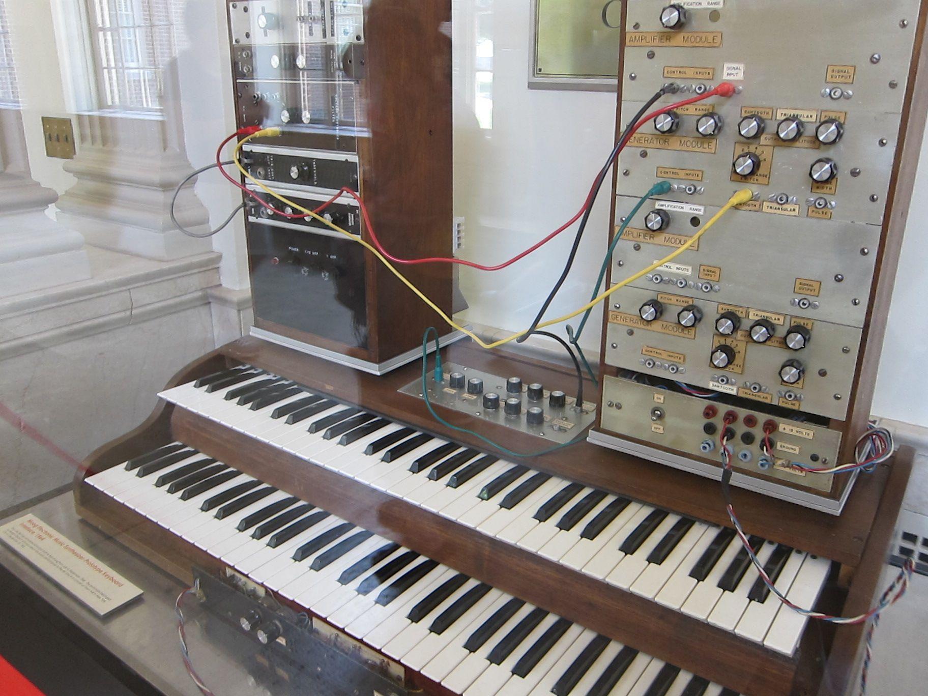 Herb Deutsch and the First Moog at Maker Faire Detroit