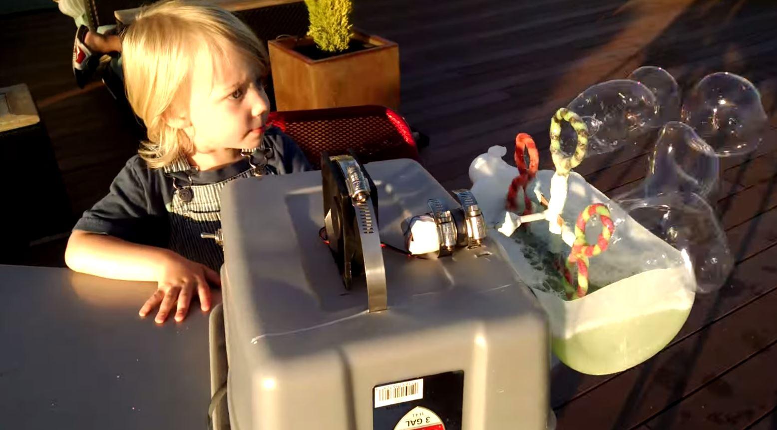 Building a Makeshift Bubble Machine