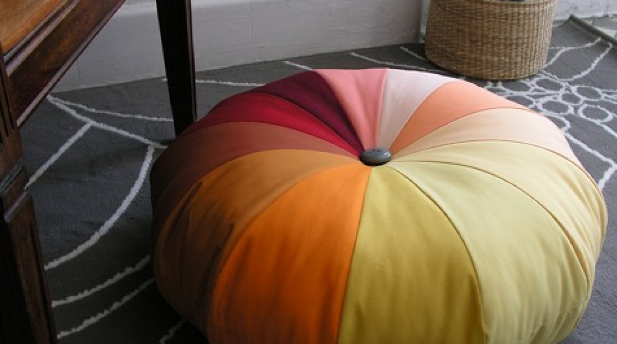 How-To: DIY Floor Pouf