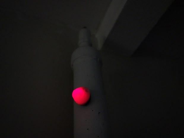 Solder a Simple Dark-Detecting LED Circuit