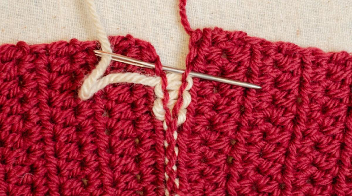 Crochet Tips: Locking Mattress Stitch
