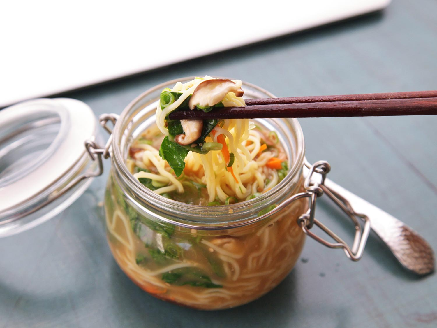 How-To: Homemade Just-Add-Hot-Water Instant Noodles Lunches