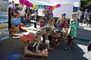 Loom weaving demonstrations & instruction