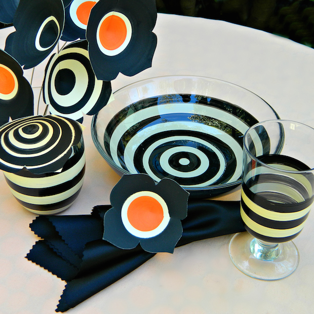 How-To: Beetlejuice-Inspired Halloween Dinner Table
