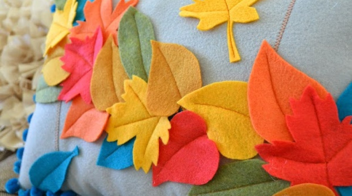 How-To: Falling Leaves Felt Pillow