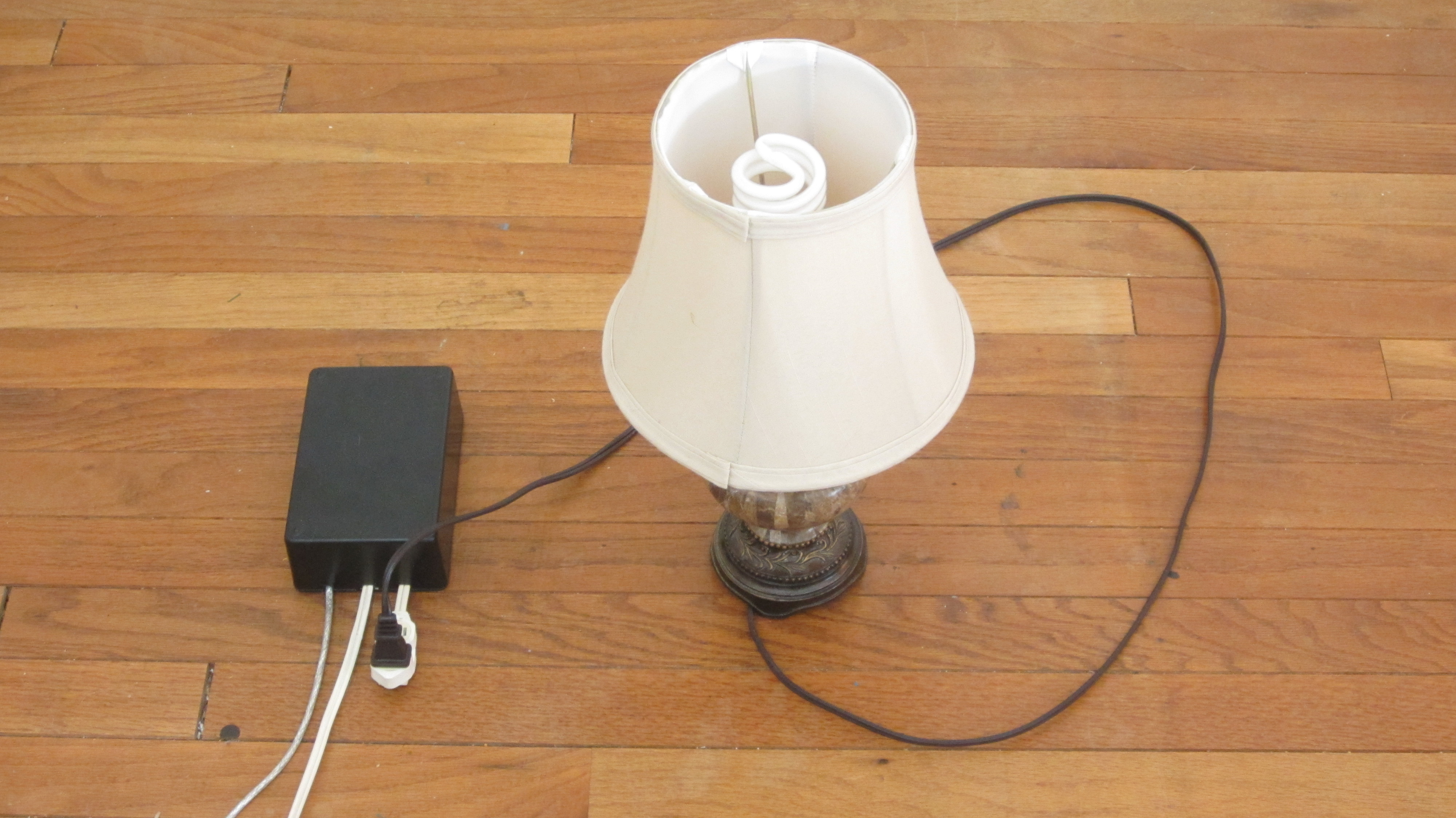 SoundActivated Outlet Make - Clap sensitive on off relay