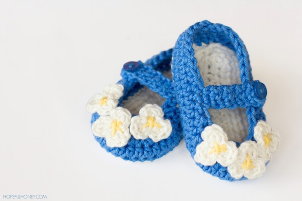 How-To: Crocheted Vintage-Inspired Baby Booties