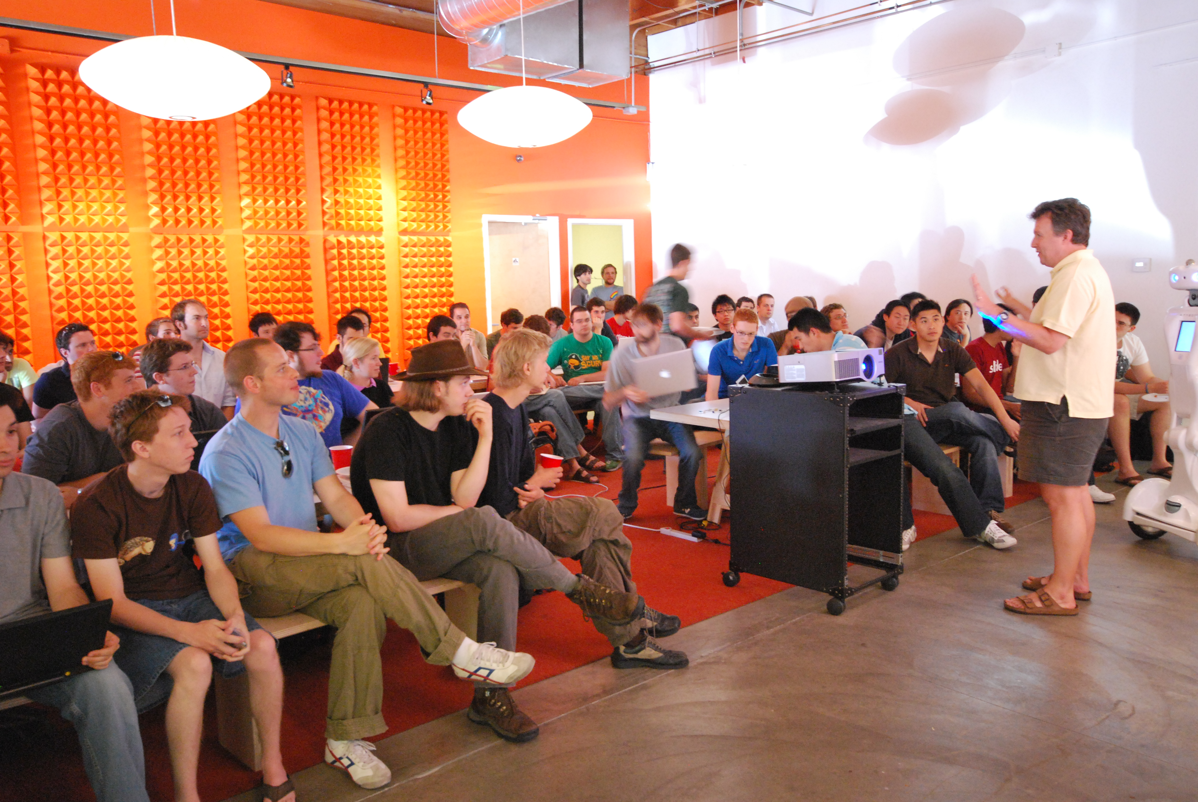 Software Incubator Y Combinator To Begin Funding Hardware Startups