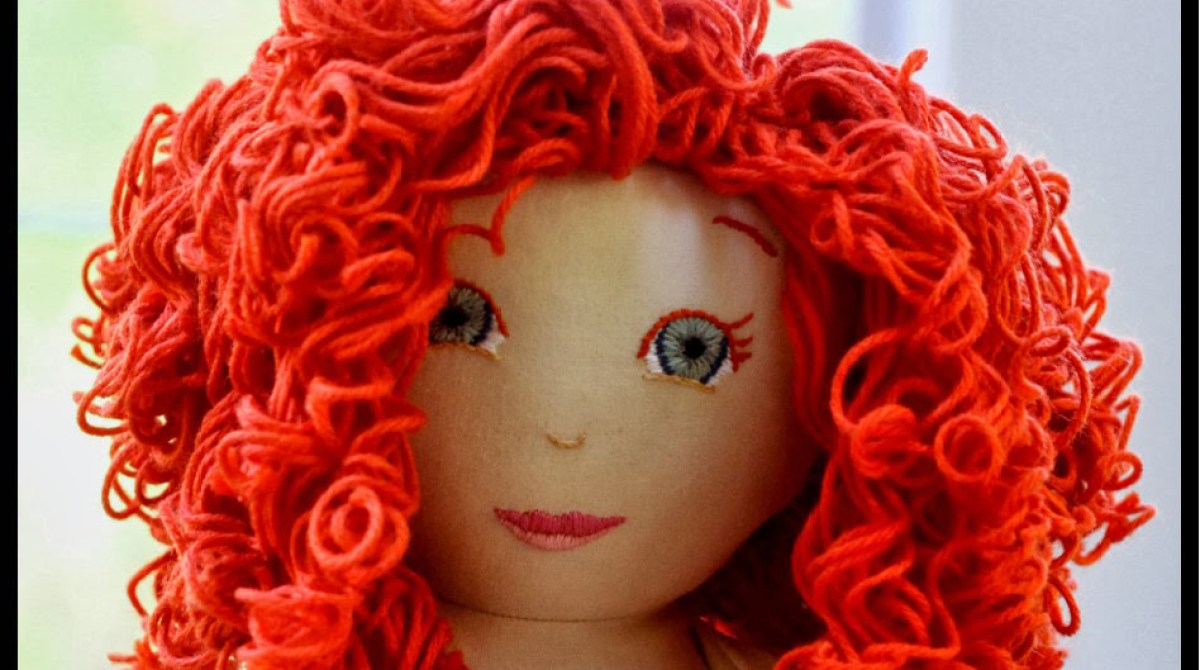 Creating Curls in Yarn for DIY Doll Hair